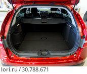 Купить «Багажник автомобиля Lada Vesta Cross», фото № 30788671, снято 16 октября 2018 г. (c) Вячеслав Палес / Фотобанк Лори