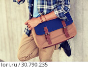 Купить «close up of hipster man with stylish shoulder bag», фото № 30790235, снято 15 июня 2016 г. (c) Syda Productions / Фотобанк Лори