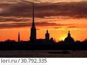 Купить «Петропавловская крепость на закате. г. Санкт-Петербург.», фото № 30792335, снято 9 мая 2019 г. (c) Роман Рожков / Фотобанк Лори