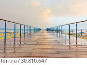 Купить «Pier after rain», фото № 30810647, снято 22 января 2019 г. (c) Роман Сигаев / Фотобанк Лори