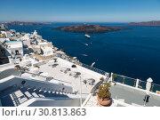 View of Fira town, Santorini, Greece (2017 год). Редакционное фото, фотограф Наталья Волкова / Фотобанк Лори