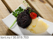 Blood sausage with rice. Стоковое фото, фотограф Яков Филимонов / Фотобанк Лори