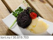 Купить «Blood sausage with rice», фото № 30819703, снято 25 августа 2018 г. (c) Яков Филимонов / Фотобанк Лори