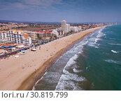 Купить «Mediterranean coastal line of Peniscola», фото № 30819799, снято 16 апреля 2019 г. (c) Яков Филимонов / Фотобанк Лори