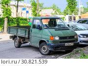 Купить «Volkswagen Transporter», фото № 30821539, снято 23 мая 2013 г. (c) Art Konovalov / Фотобанк Лори