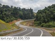 The highway to Telok Melano, Sematan, Sarawak, Malaysia. Стоковое фото, фотограф Chua Wee Boo / age Fotostock / Фотобанк Лори