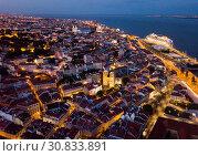 Night aerial view of Lisbon with Cathedral (2019 год). Стоковое фото, фотограф Яков Филимонов / Фотобанк Лори
