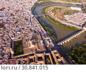 Roman Bridge over the Guadalquivir from aerial view with Mosque-Cathedral (2019 год). Стоковое фото, фотограф Яков Филимонов / Фотобанк Лори