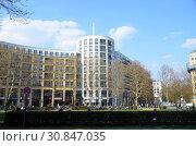 Купить «Берлин, городской пейзаж. Prager Platz», фото № 30847035, снято 8 апреля 2019 г. (c) Светлана Колобова / Фотобанк Лори