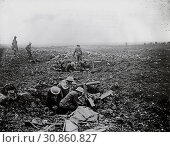 Купить «FRANCE Vimy Ridge -- 9-12 Apr 1917 -- British Army soldiers from a Canadian Division dig themselves into former shell holes on Vimy Ridge on the Western...», фото № 30860827, снято 12 декабря 2019 г. (c) age Fotostock / Фотобанк Лори