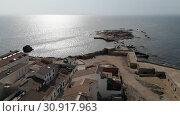 Aerial view of rocky coast and seascape of Tabarca Island (2018 год). Стоковое видео, видеограф Alexander Tihonovs / Фотобанк Лори