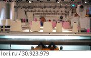 Купить «Working process on textile manufacture», видеоролик № 30923979, снято 25 мая 2019 г. (c) Гурьянов Андрей / Фотобанк Лори