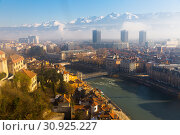 Купить «Panoramic view with colorful houses of Grenoble in France», фото № 30925227, снято 7 декабря 2017 г. (c) Яков Филимонов / Фотобанк Лори