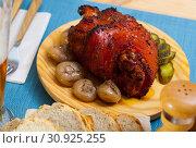 Купить «Roast pork knuckle with vegetables», фото № 30925255, снято 21 июля 2019 г. (c) Яков Филимонов / Фотобанк Лори