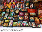 Купить «Уличная торговля», фото № 30925599, снято 10 марта 2019 г. (c) Марина Володько / Фотобанк Лори