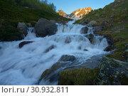 Waterfall in mountains. Стоковое фото, фотограф александр жарников / Фотобанк Лори