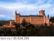 Купить «twilight view of Alcazar of Segovia», фото № 30934395, снято 16 ноября 2014 г. (c) Яков Филимонов / Фотобанк Лори