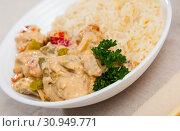 Купить «Plate of tasty Thai Red Curry», фото № 30949771, снято 31 мая 2020 г. (c) Яков Филимонов / Фотобанк Лори