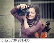 girl photographer with camera. Стоковое фото, фотограф Яков Филимонов / Фотобанк Лори