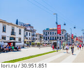 Купить «Sandeman Port wine building on Diogo Leite Avenue in Vila Nova de Gaia city of Portugal», фото № 30951851, снято 17 июля 2018 г. (c) Николай Коржов / Фотобанк Лори