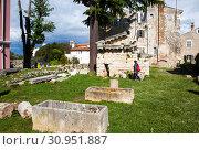 Купить «Руины храма Нептуна. Пореч. Хорватия», фото № 30951887, снято 6 мая 2019 г. (c) Сергей Афанасьев / Фотобанк Лори