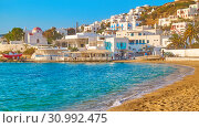 Купить «Waterfront and beach in Mykonos», фото № 30992475, снято 20 апреля 2018 г. (c) Роман Сигаев / Фотобанк Лори