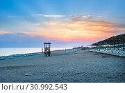 Турецкий пляж. sandy beach in Turkey (2019 год). Стоковое фото, фотограф Baturina Yuliya / Фотобанк Лори