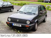 Купить «Volkswagen Golf», фото № 31001083, снято 15 сентября 2013 г. (c) Art Konovalov / Фотобанк Лори