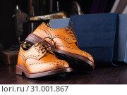 Купить «men footwear boutique store», фото № 31001867, снято 22 июля 2019 г. (c) Сергей Петерман / Фотобанк Лори