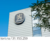 Купить «Лого Löwenbräu на здании. Мюнхен. Бавария. Германия», фото № 31153259, снято 23 июня 2019 г. (c) Екатерина Овсянникова / Фотобанк Лори