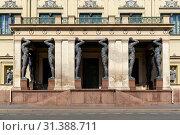 Купить «Новый Эрмитаж. Санкт-Петербург», эксклюзивное фото № 31388711, снято 1 мая 2019 г. (c) Александр Щепин / Фотобанк Лори