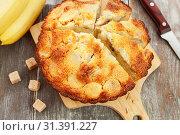 Купить «Кекс с манной крупой и бананами», фото № 31391227, снято 3 апреля 2019 г. (c) Надежда Мишкова / Фотобанк Лори