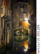 Купить «Narrow canal in Venice», фото № 31393299, снято 27 февраля 2013 г. (c) Sergey Borisov / Фотобанк Лори