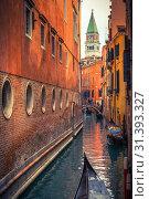 Купить «Narrow canal in Venice», фото № 31393327, снято 27 февраля 2013 г. (c) Sergey Borisov / Фотобанк Лори