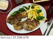 Купить «Roasted lamb with sauce alioli», фото № 31596679, снято 23 июля 2019 г. (c) Яков Филимонов / Фотобанк Лори
