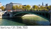 Купить «Pont Notre-Dame across Seine, Paris», фото № 31596703, снято 10 октября 2018 г. (c) Яков Филимонов / Фотобанк Лори