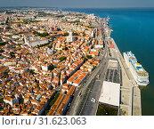 View of Lisbon district with National Pantheon and coastline (2019 год). Стоковое фото, фотограф Яков Филимонов / Фотобанк Лори