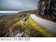 Купить «Graveyard fields overlook in the smoky mountains in north carolina», фото № 31667535, снято 21 июля 2019 г. (c) age Fotostock / Фотобанк Лори