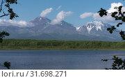 Купить «Авачинский вулкан. Time lapse», видеоролик № 31698271, снято 20 июля 2019 г. (c) А. А. Пирагис / Фотобанк Лори