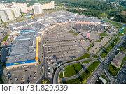 Купить «Московская область, Химки, вид сверху на торговый комплекс «Мега»», фото № 31829939, снято 22 июля 2019 г. (c) glokaya_kuzdra / Фотобанк Лори
