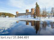 Купить «Мартовский пейзаж со старинной крепость Олавинлинна. Савонлинна, Финляндия», фото № 31844491, снято 3 марта 2018 г. (c) Виктор Карасев / Фотобанк Лори