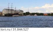 Купить «View from the Neva River to the ship Flying Dutchman», видеоролик № 31844527, снято 2 сентября 2018 г. (c) Aleksandr Sulimov / Фотобанк Лори