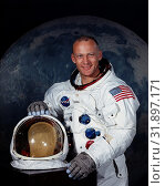 Купить «USA Cape Canaveral -- Jul 1969 -- NASA portrait of Astronaut Edwin E Aldrin Jnr in his Apollo spacesuit. Buzz Aldrin - as prefers to be known - after a...», фото № 31897171, снято 11 декабря 2019 г. (c) age Fotostock / Фотобанк Лори