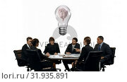 Business people having a meeting with a brain inside a light bulb in the middle of the table. Стоковое видео, агентство Wavebreak Media / Фотобанк Лори