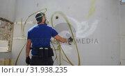 Купить «Graffiti artist painting with aerosol spray 4k», видеоролик № 31938235, снято 4 февраля 2019 г. (c) Wavebreak Media / Фотобанк Лори