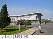 Купить «North Korea, Pyongyang architecture», фото № 31958143, снято 1 мая 2019 г. (c) Знаменский Олег / Фотобанк Лори