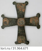 Купить «Cross, 9th–12th century, Byzantine, Copper alloy, Overall: 3 1/8 x 2 13/16 x 1/16 in. (7.9 x 7.2 x 0.2 cm), Metalwork-Copper alloy», фото № 31964671, снято 29 апреля 2017 г. (c) age Fotostock / Фотобанк Лори