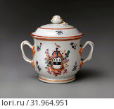 Купить «Covered Two-handled Bowl and Tray, 1785–90, Made in China, Chinese, for American market, Hard-paste porcelain, H. 5 1/2in. (14 cm), Ceramics, This object...», фото № 31964951, снято 22 февраля 2017 г. (c) age Fotostock / Фотобанк Лори