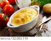 Купить «Картофельная запеканка. Домашняя кухня», фото № 32003119, снято 17 июня 2019 г. (c) Надежда Мишкова / Фотобанк Лори