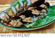 Купить «Midye Dolmas? - stuffed mussels, Turkish cuisine», фото № 32012927, снято 4 апреля 2020 г. (c) easy Fotostock / Фотобанк Лори